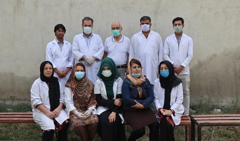 Unser Vertrauensmann Ayub Osmani (obere Reihe, Mitte) auf Besuch in Kabul